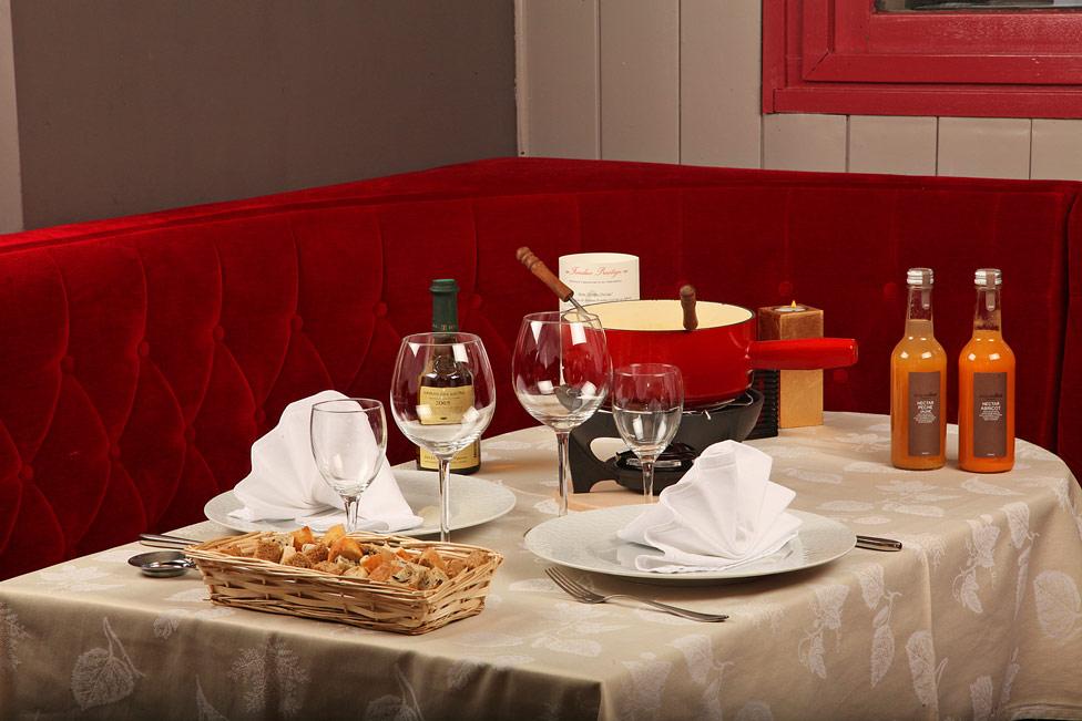 Les fondues du restaurant le Chamois dans le Haut-Jura